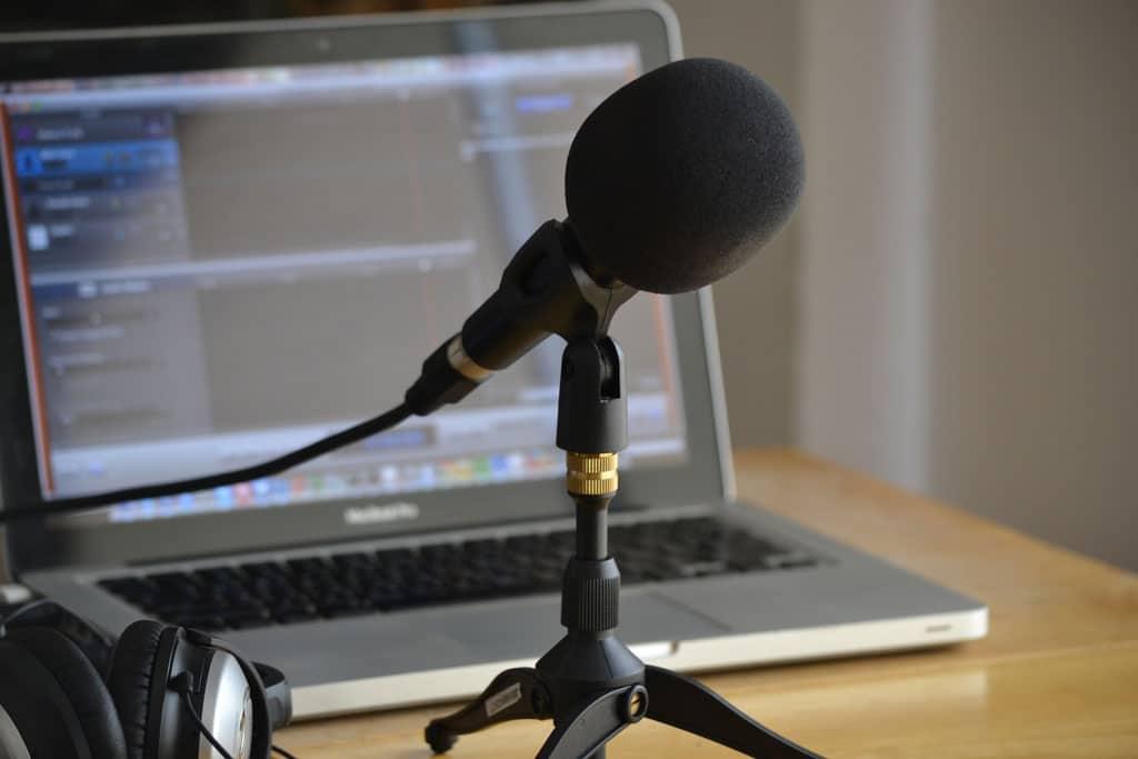 microphone & computer