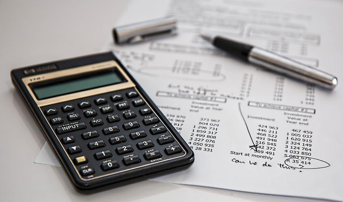 LIC discounts under pressure